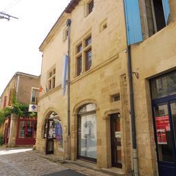 Maison de pays de Saint-Macaire-33. Source : http://data.abuledu.org/URI/599a9339-maison-de-pays-de-saint-macaire-33