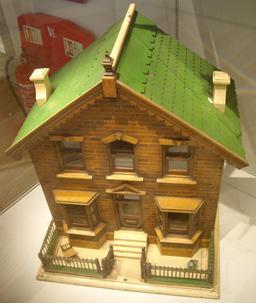 Maison de poupée anglaise au dix-neuvième siècle. Source : http://data.abuledu.org/URI/53264b5c-maison-de-poupee-anglaise-au-dix-neuvieme-siecle