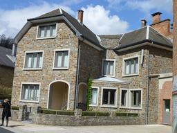 Maison de ville à La Roche-en-Ardenne. Source : http://data.abuledu.org/URI/57169800-maison-de-ville-a-la-roche-en-ardenne