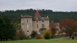 Maison fortifiée en Lot-et-Garonne. Source : http://data.abuledu.org/URI/5827e0a4-maison-fortifiee-en-lot-et-garonne