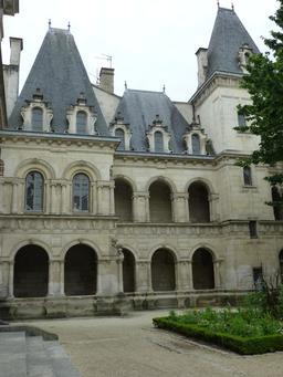 Maison Henry II à La Rochelle. Source : http://data.abuledu.org/URI/5821e8d7-maison-henry-ii-a-la-rochelle