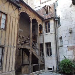 Maison Maillard 38 rue des forges à Dijon. Source : http://data.abuledu.org/URI/59d47675-maison-maillard-38-rue-des-forges-a-dijon