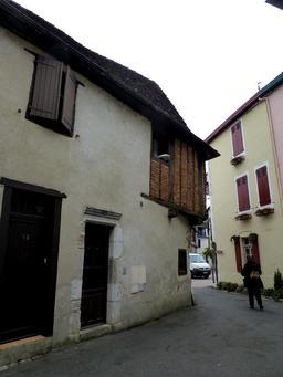 Maison médiévale à colombage à Salies-de-Béarn. Source : http://data.abuledu.org/URI/58662429-maison-medievale-a-colombage-a-salies-de-bearn