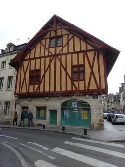 Maison médiévale à Dijon. Source : http://data.abuledu.org/URI/581c912a-maison-medievale-a-dijon