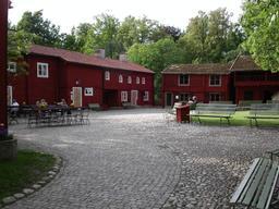 Maisons suédoises traditionnelles. Source : http://data.abuledu.org/URI/52b956b2-maisons-suedoises-traditionnelles