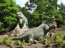 Mantellodon dans le parc de Crystal Palace. Source : http://data.abuledu.org/URI/5489b7a6-mantellodon-dans-le-parc-de-crystal-palace