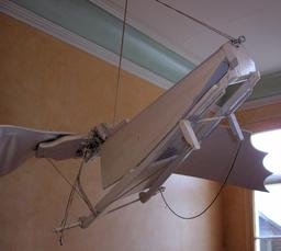 Maquette d'engin volant de Léonard de Vinci au Clos-Lucé. Source : http://data.abuledu.org/URI/54b98ad2-maquette-d-engin-volant-de-leonard-de-vinci-au-clos-luce