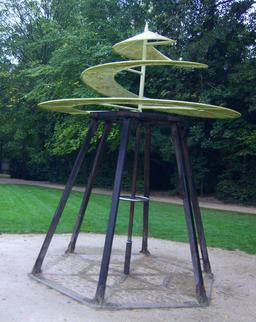 Maquette de l'hélicoptère de Léonard de Vinci à Clos Lucé. Source : http://data.abuledu.org/URI/54b9962c-maquette-de-l-helicoptere-de-leonard-de-vinci-a-clos-luce