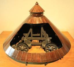 Maquette du char d'assaut de Léonard de Vinci. Source : http://data.abuledu.org/URI/55ccf086-maquette-du-char-d-assaut-de-leonard-de-vinci