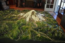 Maquette du Mont Rainier. Source : http://data.abuledu.org/URI/591bcce7-maquette-du-mont-rainier