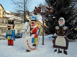 Marché de Noël à Olbernhau. Source : http://data.abuledu.org/URI/549fdbf5-marche-de-noel-a-olbernhau