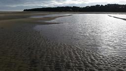 Marée basse à Arcachon. Source : http://data.abuledu.org/URI/55a2e6f7-maree-basse-a-arcachon