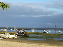 Marée basse à Arcachon. Source : http://data.abuledu.org/URI/562f5799-maree-basse-a-arcachon