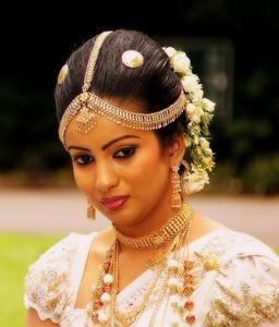 Mariée au Sri Lanka. Source : http://data.abuledu.org/URI/5372762b-mariee-au-sri-lanka