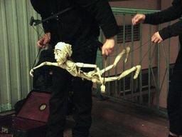 Marionnette.jpg. Source : http://data.abuledu.org/URI/501c3283-marionnette-jpg