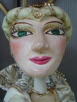 Marionnette de Skopje, la princesse. Source : http://data.abuledu.org/URI/50e9cfe8-marionnette-de-skopje-la-princesse