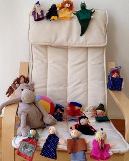 Marionnettes à doigt. Source : http://data.abuledu.org/URI/501c357e-marionnettes-a-doigt