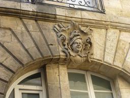 Mascaron à Bordeaux. Source : http://data.abuledu.org/URI/58270b8d-mascaron-a-bordeaux