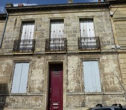Mascaron d'ancre de marine à Bordeaux. Source : http://data.abuledu.org/URI/5826e34a-mascaron-d-ancre-de-marine-a-bordeaux