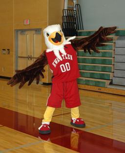 Mascotte d'aigle de jeux universitaires. Source : http://data.abuledu.org/URI/588548d6-mascotte-d-aigle-de-jeux-universitaires
