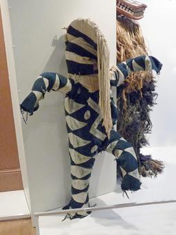 Masque blanc Bwa au Burkina Faso. Source : http://data.abuledu.org/URI/54beab39-masque-blanc-bwa-au-burkina-faso
