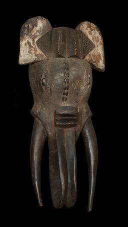 Masque ivoirien d'éléphant. Source : http://data.abuledu.org/URI/553664c5-masque-ivoirien-d-elephant