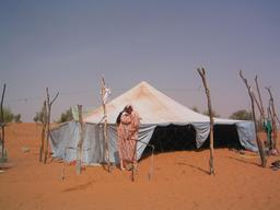 Tente de nomades à Matamoulane en Mauritanie. Source : http://data.abuledu.org/URI/552e2df9-matamoulane