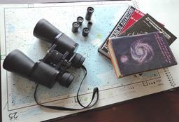 Matériel d'observateur astronomique. Source : http://data.abuledu.org/URI/550d9ea5-materiel-d-observateur-astronomique