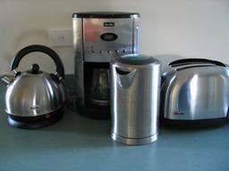 Matériel de cuisine. Source : http://data.abuledu.org/URI/5101b060-materiel-de-cuisine