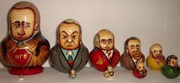 Matriochkas d'hommes politiques russes. Source : http://data.abuledu.org/URI/52951dc1-matriochkas-d-hommes-politiques-russes