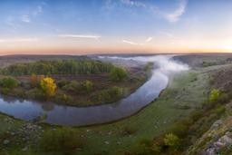 Méandre du fleuve Kalmious en Ukraine. Source : http://data.abuledu.org/URI/5417de5b-meandre-du-fleuve-kalmious-en-ukraine