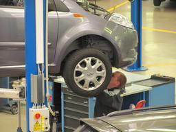 Mécanicien. Source : http://data.abuledu.org/URI/51b5e22c-mecanicien