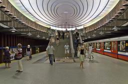 Métro de Varsovie. Source : http://data.abuledu.org/URI/58d01d96-metro-de-varsovie