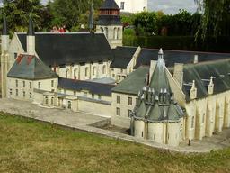 Mini-Abbaye de Fontevraud. Source : http://data.abuledu.org/URI/50f13573-mini-abbaye-de-fontevraud