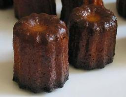 Mini canelés bordelais . Source : http://data.abuledu.org/URI/509bc241-mini-caneles-bordelais-