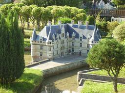 Mini-Château d'Azay-le-Rideau. Source : http://data.abuledu.org/URI/50f022ff-mini-chateau-d-azay-le-rideau