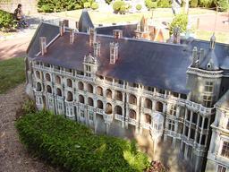 Mini-Château de Blois. Source : http://data.abuledu.org/URI/50f07490-mini-chateau-de-blois