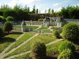 Mini-Château de Gizeux. Source : http://data.abuledu.org/URI/50f14404-mini-chateau-de-gizeux