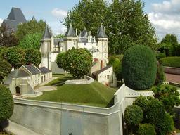 Mini-Château de Saumur. Source : http://data.abuledu.org/URI/50f19a2d-mini-chateau-de-saumur