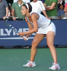 mini-jupe de tennis. Source : http://data.abuledu.org/URI/5029500f-mini-jupe-de-tennis