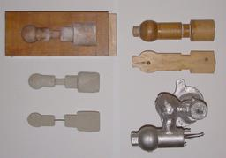Modèle en bois pour moulage au sable. Source : http://data.abuledu.org/URI/532ee474-modele-en-bois-pour-moulage-au-sable