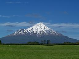 Mont Taranaki. Source : http://data.abuledu.org/URI/50885843-mont-taranaki