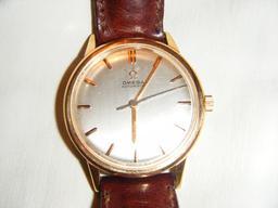 Montre-bracelet Omega de 1965. Source : http://data.abuledu.org/URI/529b0999-montre-bracelet-omega-de-1965