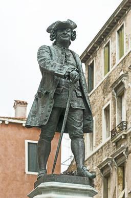 Monument à Carlo Goldoni à Venise. Source : http://data.abuledu.org/URI/54146793-monument-a-carlo-goldoni-a-venise
