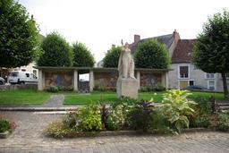 Monument aux Morts de Châtillon-sur-Indre. Source : http://data.abuledu.org/URI/543ee1f9-monument-aux-morts-de-chatillon-sur-indre