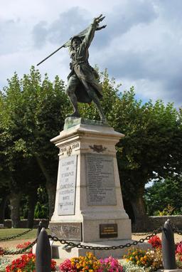 Monument aux Morts de Saint-Sulpice-et-Cameyrac. Source : http://data.abuledu.org/URI/5441ab8e-monument-aux-morts-de-saint-sulpice-et-cameyrac