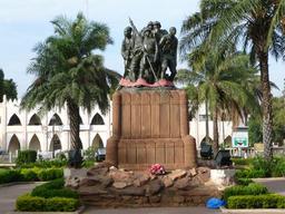 Monument aux tirailleurs sénégalais de Bamako. Source : http://data.abuledu.org/URI/5438cf79-monument-aux-tirailleurs-senegalais-de-bamako