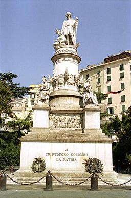 Monument de Christophe Colomb à Gênes. Source : http://data.abuledu.org/URI/573b84fe-monument-de-christophe-colomb-a-genes