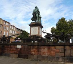 Monument Lapérouse à Albi. Source : http://data.abuledu.org/URI/59c182e7-monument-laperouse-a-albi