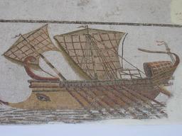 Mosaïque de trirème romaine en Tunisie. Source : http://data.abuledu.org/URI/52c009e0-mosaique-de-trireme-romaine-en-tunisie